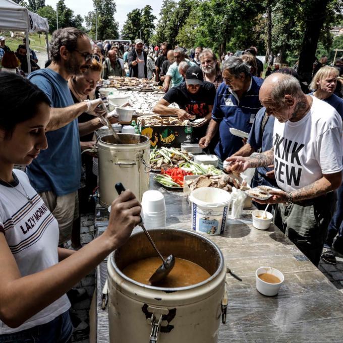 Piknik pro lidi bez domova a jejich zvířata
